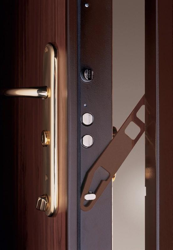Porte blind e pour s curiser sa maison for Ouvrir une porte blindee